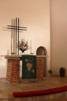 Altar der Heilig-Kreuz-Kirche in Börnsen