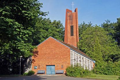 Außenansicht der Heilig-Kreuz-Kirche in Börnsen - Copyright: Manfred Maronde